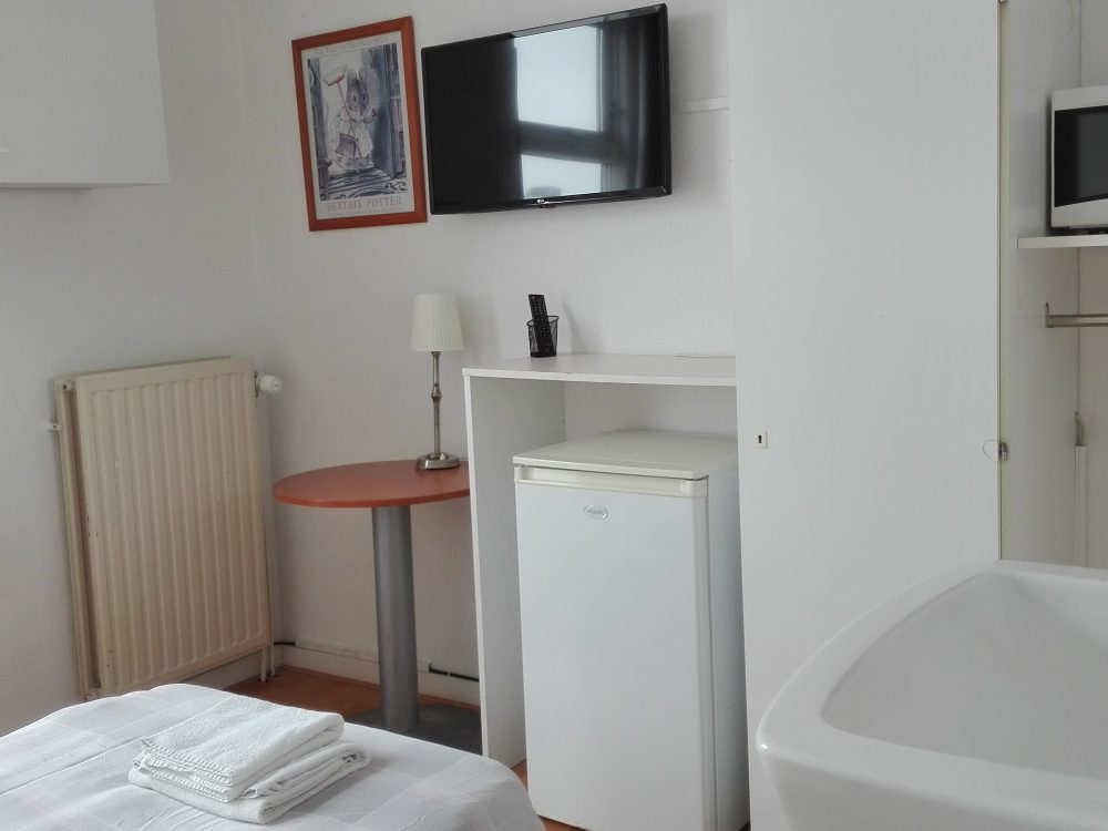bed-en-breakfast-vlissingen-eenpersoons-gedeelt-douche-toilet