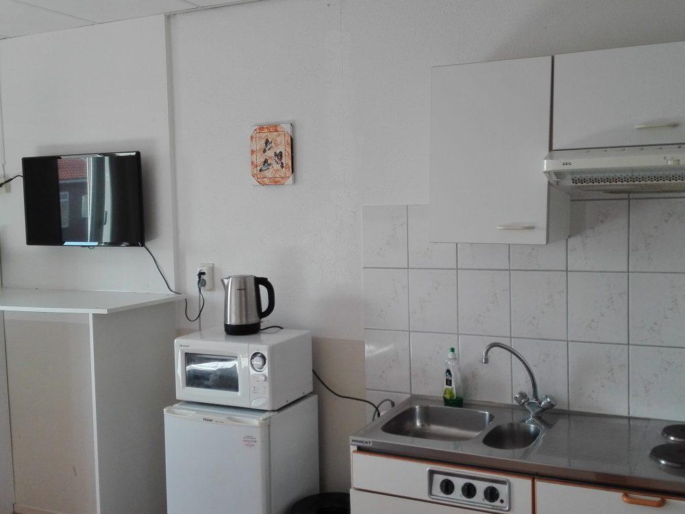 bed-en-breakfast-vlissingen-tweepersoons-eigen-douche-toilet-keuken
